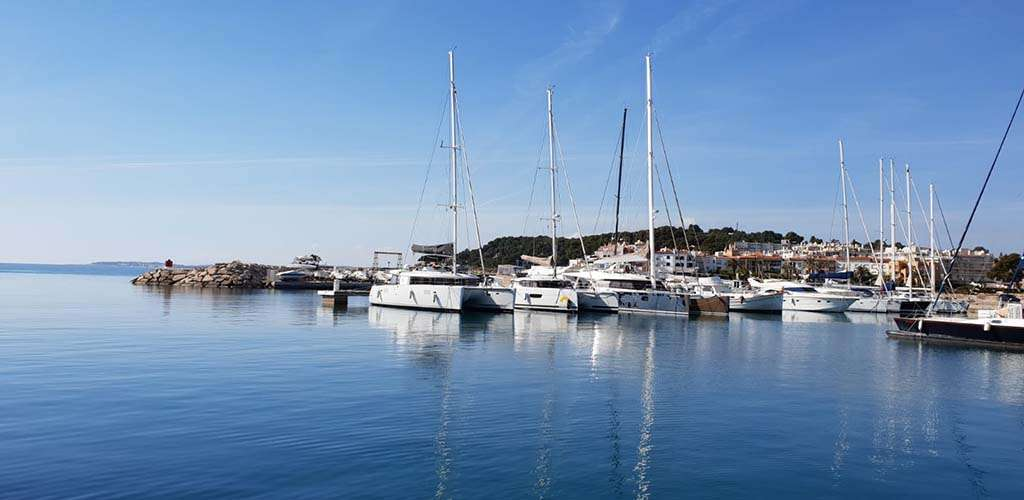 Port Roda De Bará – Your Catamaran – Friendly Marina In The Western Mediterranean
